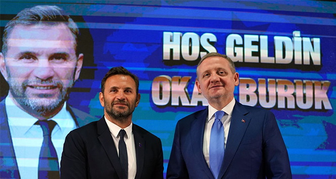 Başakşehir'de Okan Buruk resmi sözleşmeyi imzaladı