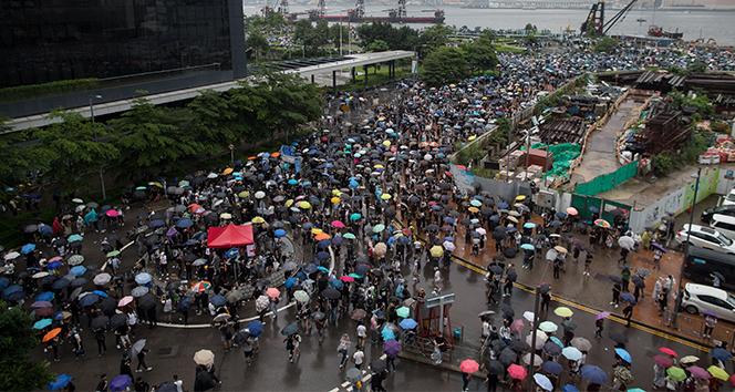 Hong Kong'da tansiyon yüksek