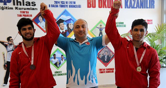 İhlas Koleji öğrencisi güreşte Türkiye şampiyonu