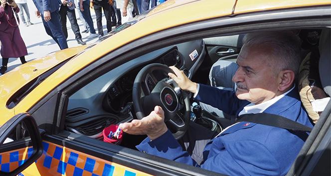 Taksicilere seslenen Binali Yıldırım: 'Evinizin içini düzelteceksiniz'