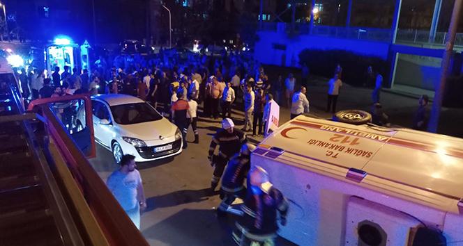 Otomobille çarpışan ambulans devrildi: 7 yaralı