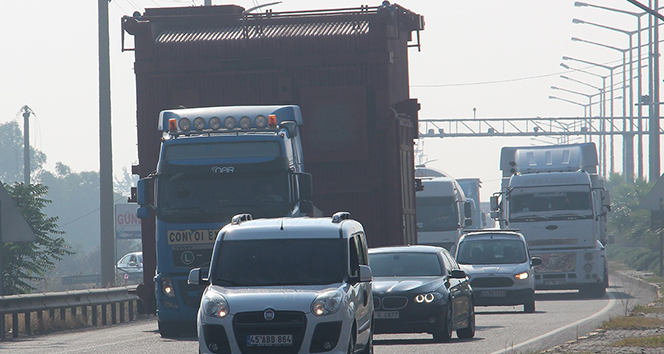 Dev buhar kazanı için trafik seferberliği