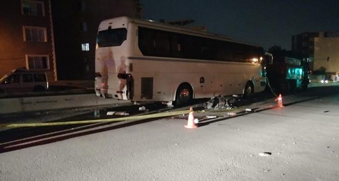 İzmir'de motosiklet otobüse çarptı: 1 ölü 1 ağır yaralı