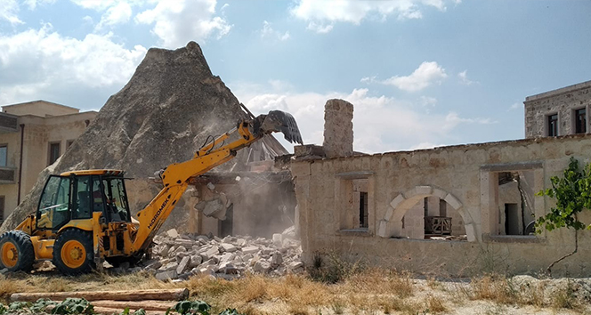 Kapadokya'da 6 kaçak yapının yıkımı tamamlandı