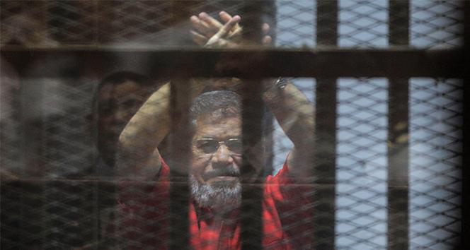 Siyasilerden 'Mursi' mesajları