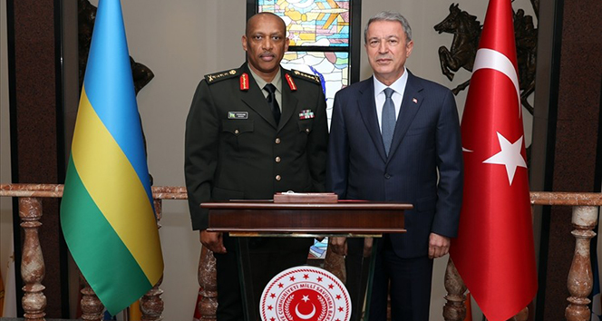 Bakan Akar, Ruanda Genelkurmay Başkanı'nı ağırladı