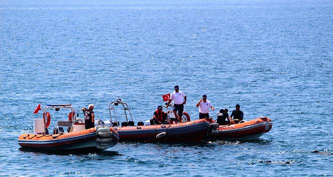 Antalya'da denizde şüpheli cisim polisi alarma geçirdi