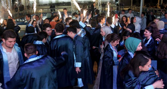 İhlas Kolejinde mezuniyet coşkusu