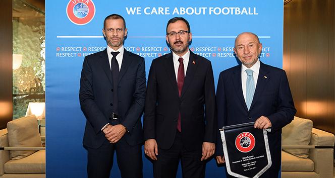 Bakan Kasapoğlu ve Özdemir'den UEFA Başkanı Caferin'e ziyaret