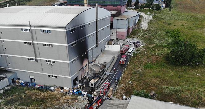 Hadımköy'deki fabrika yangını havadan görüntülendi