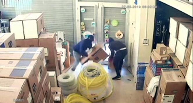 İstanbul'da iş yerlerine dadanan hırsızlık çetesi polis tarafından çökertildi