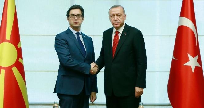 Cumhurbaşkanı Erdoğan, Kuzey Makedonya Cumhurbaşkanı Pendarovski ile görüştü