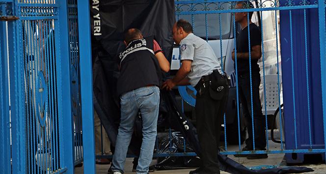 Antalya'da denizde boğazında plastik kelepçe takılı erkek cesedi bulundu