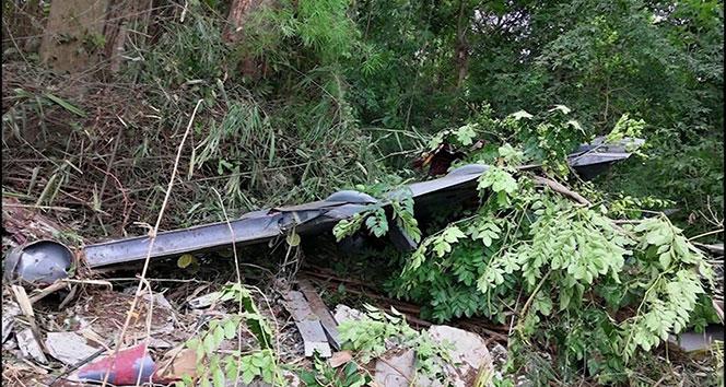 Tayland'da düşen uçağın enkazı görüntülendi