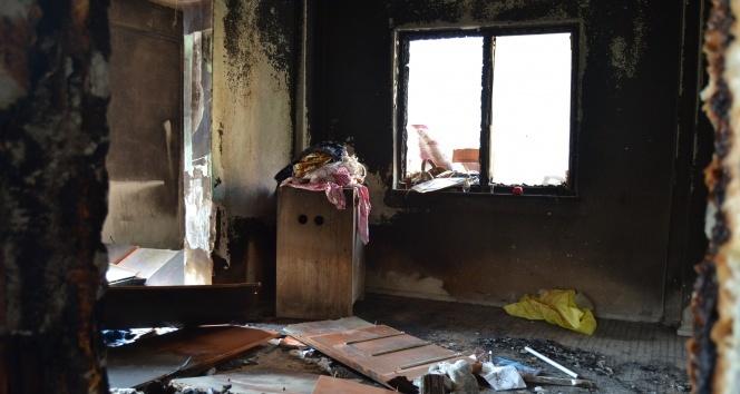 Cep telefonu patladı 4 çocuklu aile sokakta kaldı