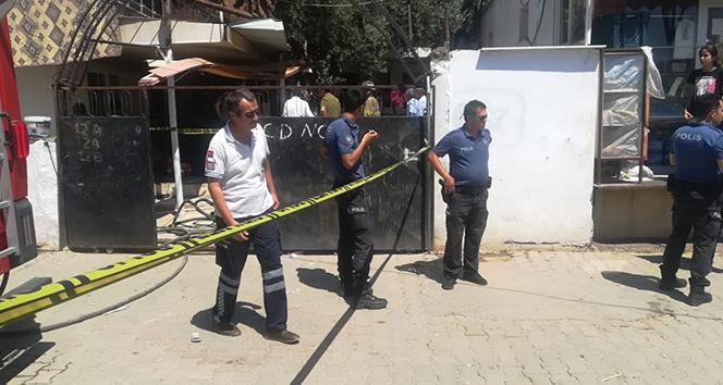 İzmir'deki yangında can pazarı: 1 çocuk öldü, anne ağır yaralı