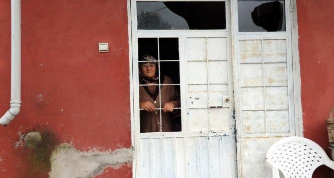 Evi yanan Ünsal ailesi yardım bekliyor