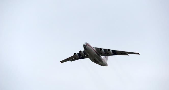 S-400 hava savunma sistemlerini getiren 4. uçak da geri dönmek için havalandı