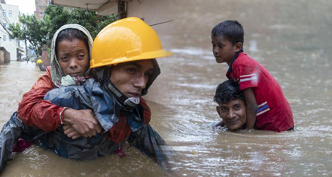 Nepal'de sel felaketi: 32 ölü, 17 kayıp, 12 yaralı