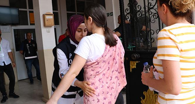 KPSS'ye geç kalan adaylar sınav binasına alınmadı