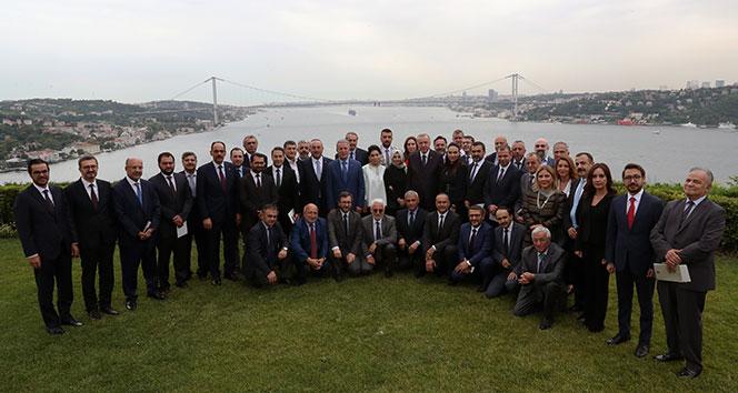 Cumhurbaşkanı Erdoğan, genel yayın yönetmenleriyle bir araya geldi