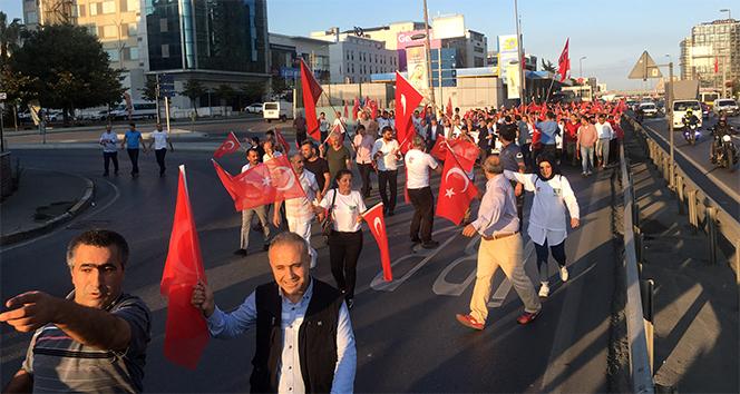 Vatandaşlar Atatürk Havalimanı'na akın etti