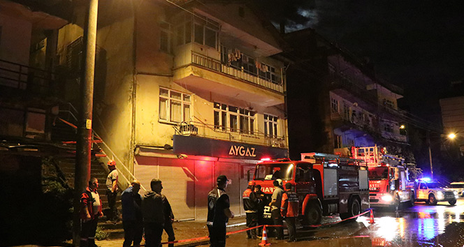 Heyelan nedeniyle 4 aile evlerinden tahliye edildi