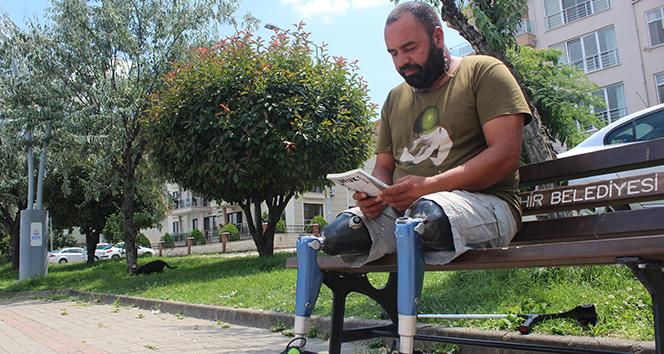 Ayaklarını kaybettiği göçük altından, dünya rekoruna uzanan hayat hikayesi kitap oldu