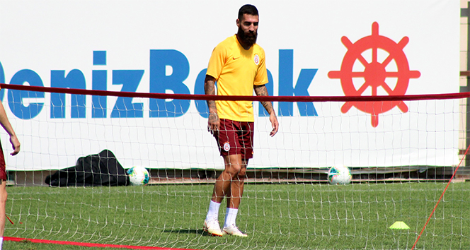 Jimmy Durmaz: 'Galatasaray'da oynamak benim en büyük rüyalarımdan birisiydi'