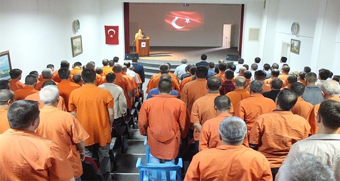 Kütahya Cezaevi tek seferde 76 tutuklu ve hükümlüye kalfalık belgesi veren ilk cezaevi unvanını aldı