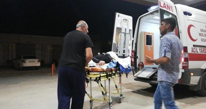 Kamyonete arkadan çarptı: 2 yaralı