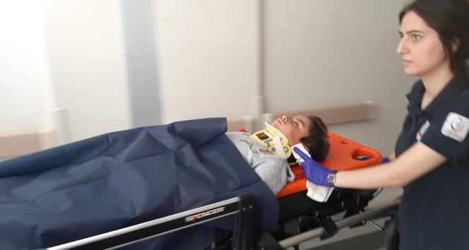 Minibüs durmadan atlayınca yaralandı