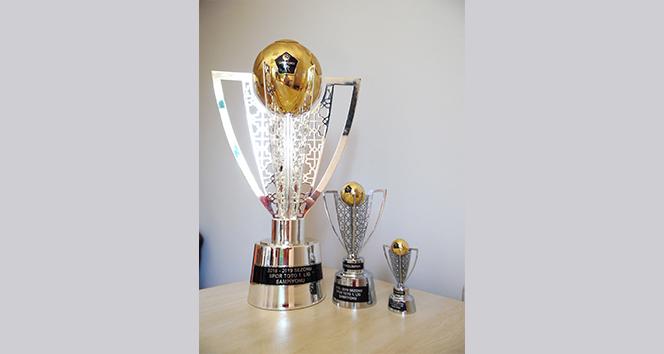 Denizlispor 150'den fazla minyatür kupa sattı