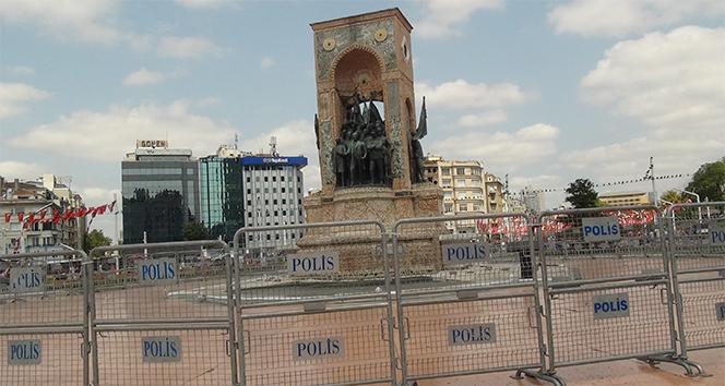 Taksim Cumhuriyet Anıtı bariyerlerle kapatıldı
