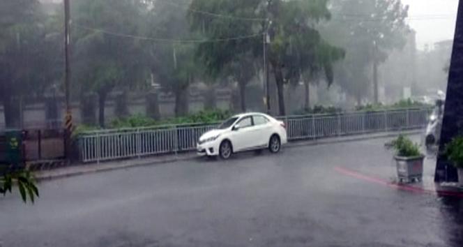 Japonya'da fırtına devam ediyor: 1 ölü, 49 yaralı