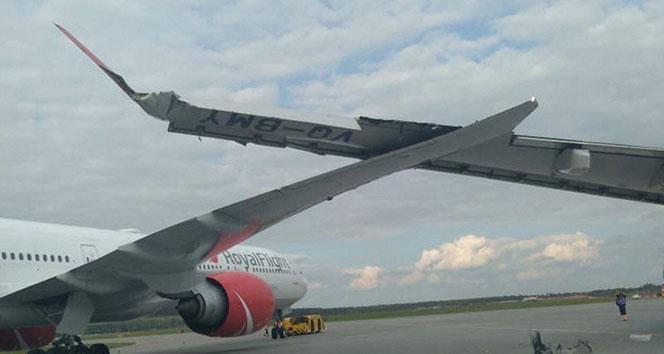 Moskova'da 2 uçağın kanatları birbirine çarptı
