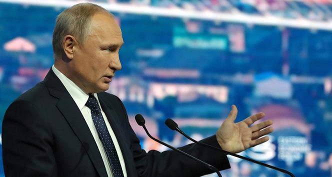 Rusya'da anayasa referandumu korona salgını nedeniyle ertelendi