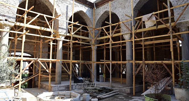 Tarihi Ulucami'de restorasyon devam ediyor