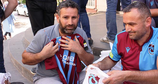 HDP önünde eylem yapan ailelere Trabzondan anlamlı destek