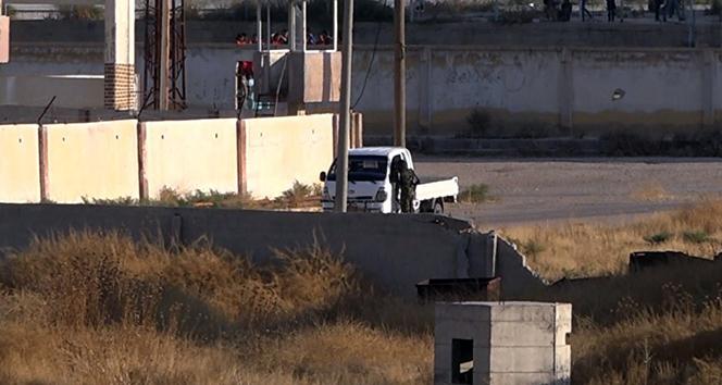 ABD'li komutanlar Akçakale'deyken sınırda teröristler görüldü