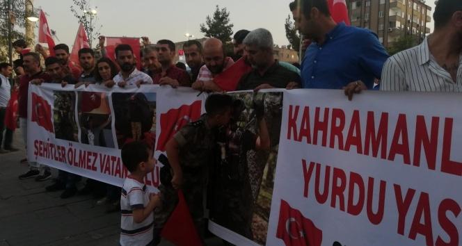 Mardin'de 'teröre lanet, analara destek' yürüyüşü