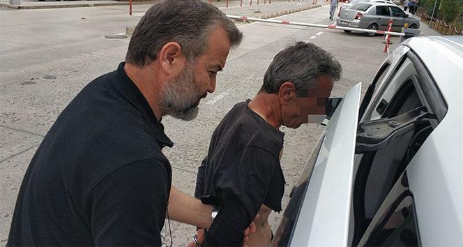 Köpeğini gezdirmeye çıkaran genci bıçaklayan tutuklandı