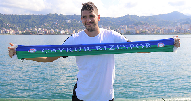 Çaykur Rizespor'un Yunanlı futbolcusu Chatziisaias Rize'ye çabuk alıştı