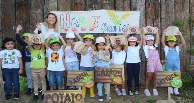 Küçük çiftçiler Hasat Festivali'nde ürünlerini topladı