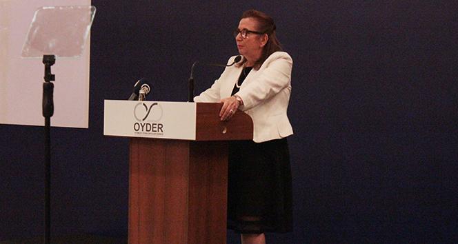 Ticaret Bakanı Pekcan'dan emisyon ve Brexit uyarısı