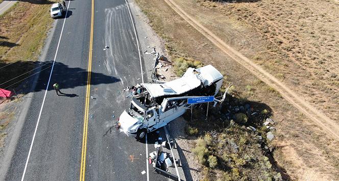 ABD'de Çinli turistleri taşıyan otobüs kaza yaptı
