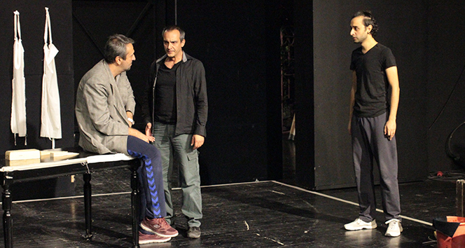 Tel Aviv'de yazılan oyunu Kosovalı yönetmen Ankara'da sahneleyecek