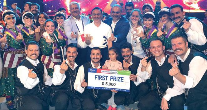 Türk Halk Oyunları Topluluğu, dünya birincisi oldu