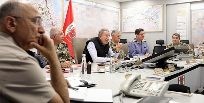 Bakan Akar ve komutanlar Barış Pınarı Harekatını sevk ve idare ediyor