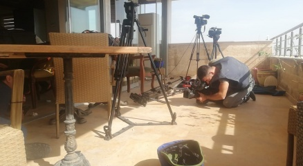 YPGden gazetecilerin bulunduğu alana keskin nişancılarla saldırı: 2 yaralı
